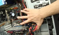 Рука в проводах