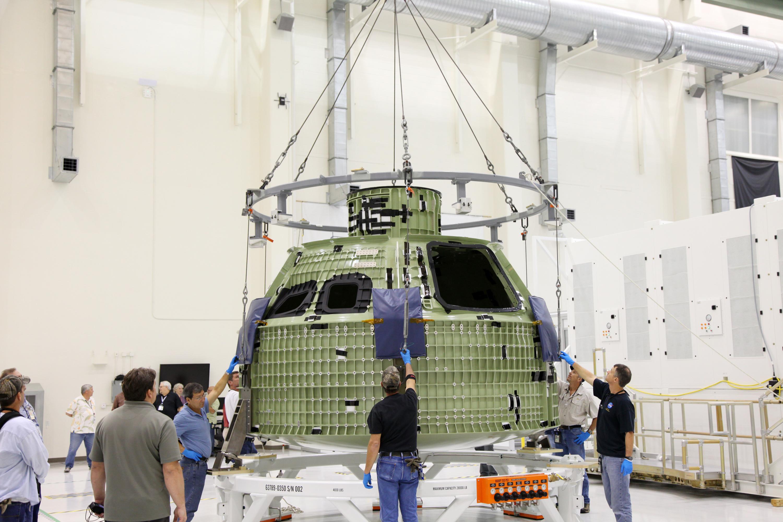 В Космическом центре Кеннеди показали космический корабль, который полетит к Марсу