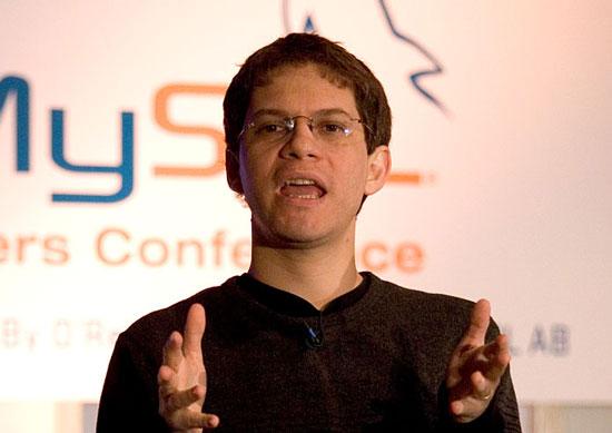 Mac OS X и веб погубили Linux для пользователей, считает создатель Gnome Мигель де Икаса