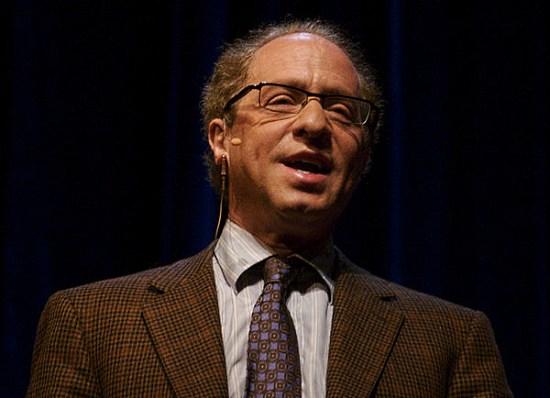 Изобретатель Рэй Курцвейл будет работать  в Google над искусственным интеллектом