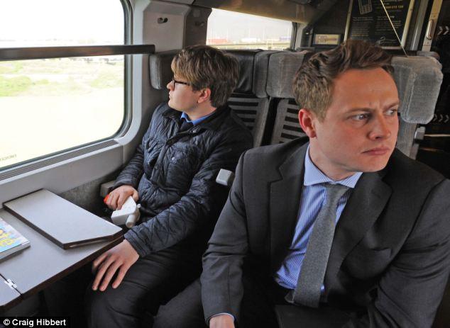 Журналисты британской Daily Mail, рискуя попасть за решётку, уже устроили Liberator «проверку боем». Распечатав пистолет, они пронесли его в разобранном виде в час пик на борт поезда Eurostar (Лондон-Париж), собрали и продемонстрировали. Пока только фотографу.