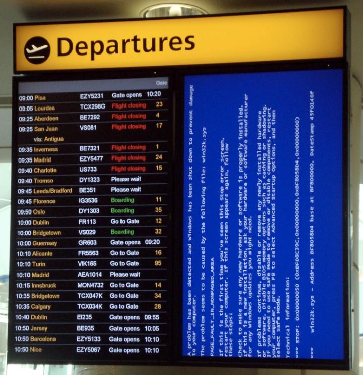Windows XP: всё, прилетели (фото: crashspotting.com).