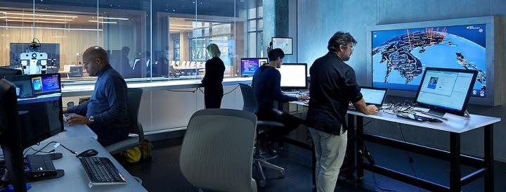 Microsoft DCU - отдел по борьбе с преступлениями в сфере высоких технологий (фото: Microsoft).