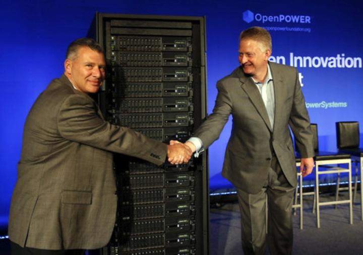 Вице-президенты IBM Том Розамилия (слева) и Дуглас Балог (справа) на презентации серверов OpenPOWER в Сан-Франциско (фото: reseller.co.nz).