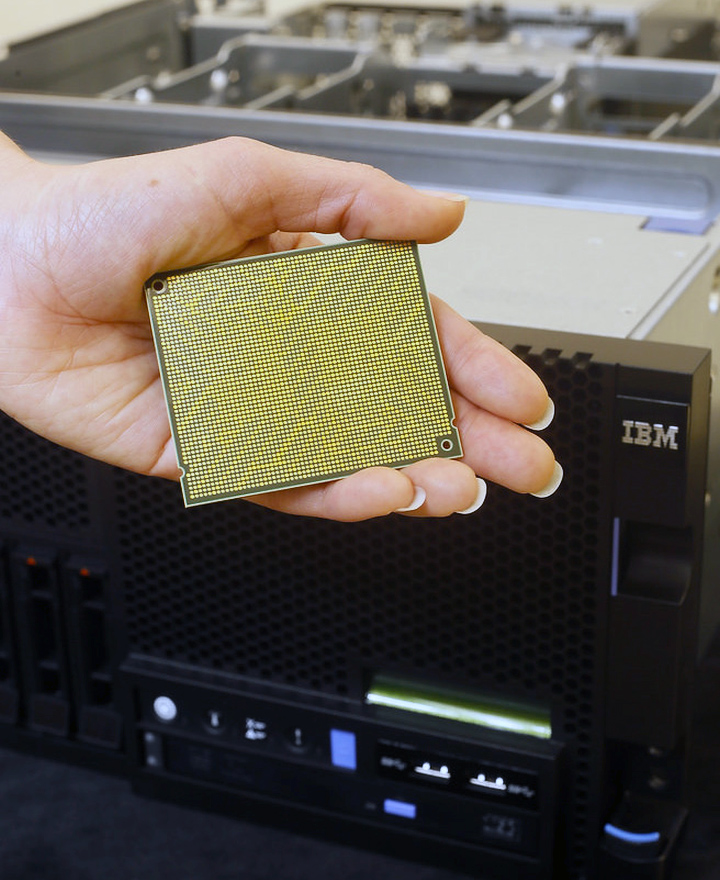 Процессор IBM Power8 (фото: extremetech.com).