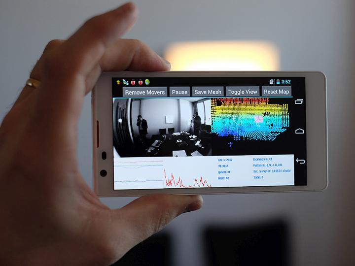 Смартфон Tango (фото: wearear.de).