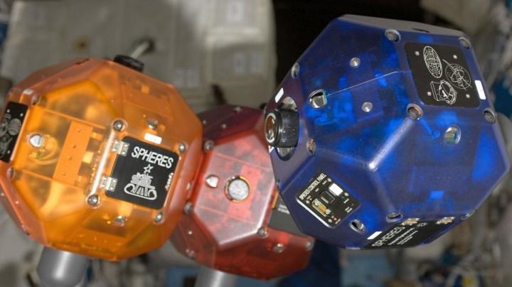 Роботы Sphere (фото: theverge.com).