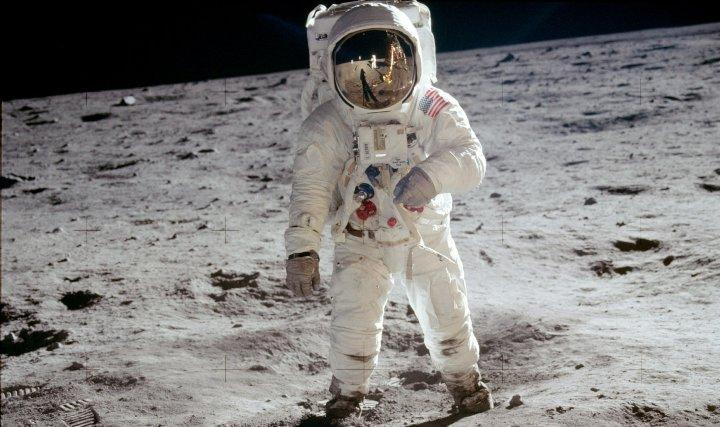 Рассчитывать траектории космических полётов могли машины, на три порядка более медленные, чем нынешний смартфон…