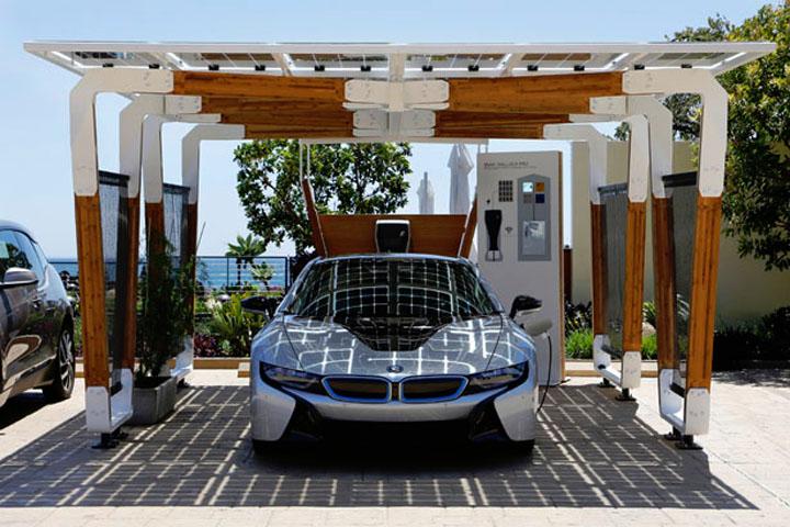 BMW разработала технологический навес для подзарядки электромобилей