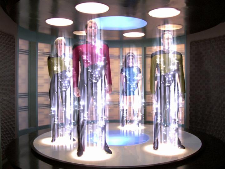 """Героев """"Звёздного пути"""" давно стоило оштрафовать за нарушение законов физики и превышение скорости света (изображение: trekcore.com)."""