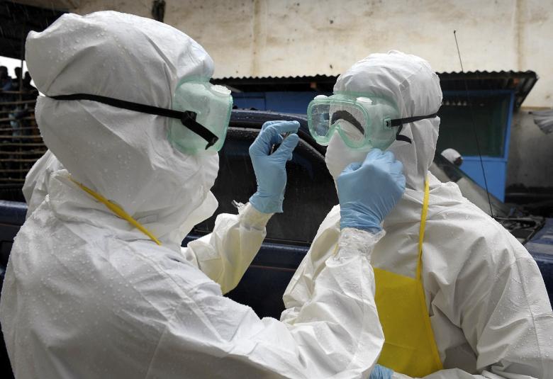 Два эксперта ВОЗ заразились вирусом Эбола из-за нарушения техники безопасности (фото: foxnews.com).