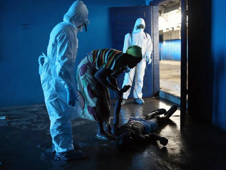 Изолятор для больных геморрагической лихорадкой Эбола в Монровии (фото: ilpost.it).
