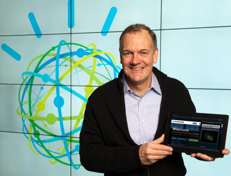Вице-президент IBM Майк Родин на презентации Watson Discovery Advisor (фото: Jon Simon / IBM)