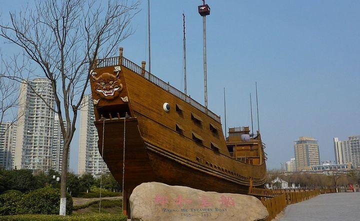 От великого флота Чжэн Хэ сохранились лишь памятники… Какая судьба ждет китайскую ОС?
