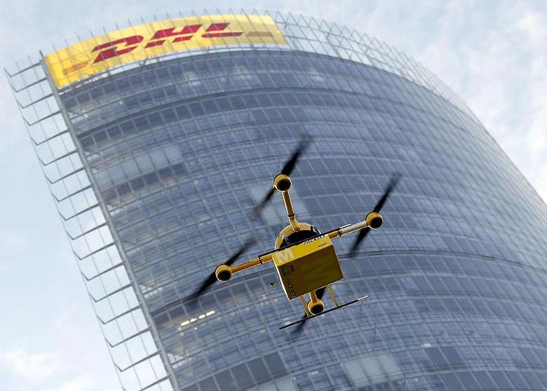 В проекте DHL Parcelcopter за основу взята серия дронов MD4 компании Microdrones (фото: Reuters/Wolfgang Ratta).