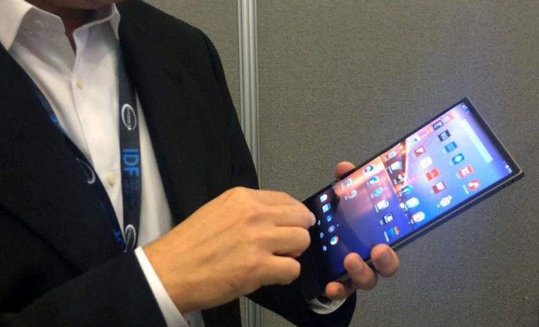 Dell Venue 8 7000 - первый планшет с поддержкой технологии Intel RealSense (фото: wayerless.com).