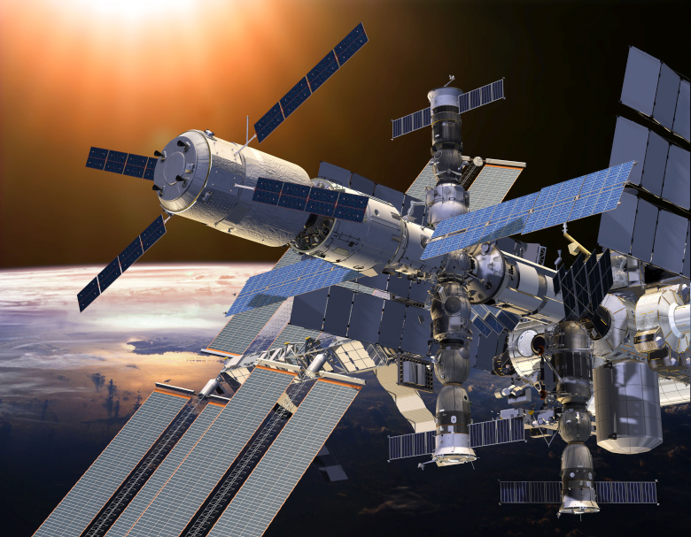 Стыковка ATV-5 (слева) с МКС (изображение: esa.int).