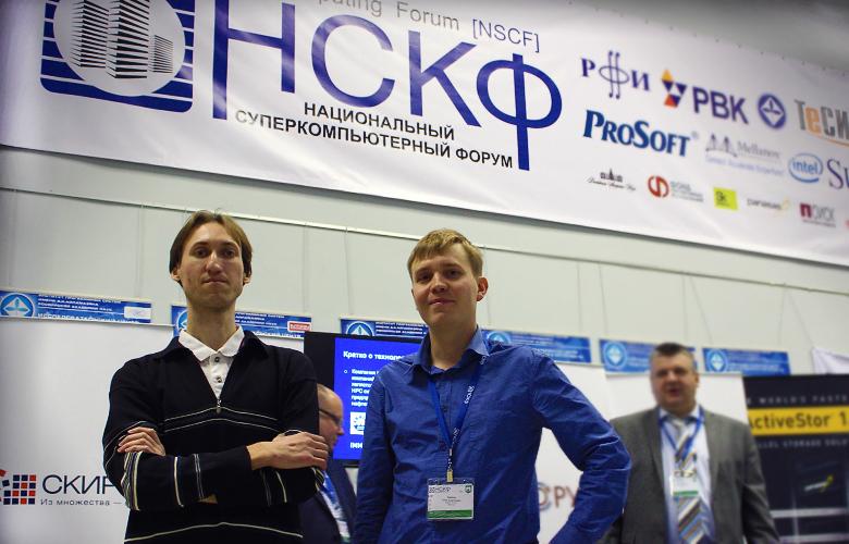 Соавторы CluBORun Максим Манзюк (слева) и Олег Заикин.