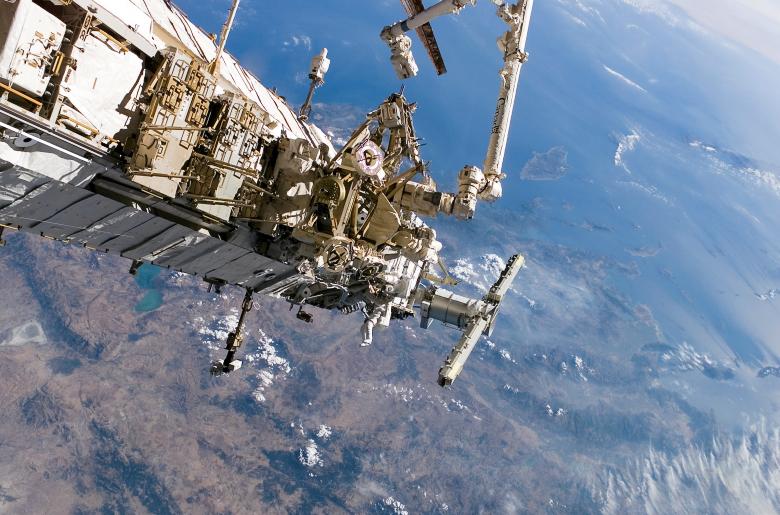 Ферменные конструкции P3 и P4 на МКС (фото: astronautica.us).