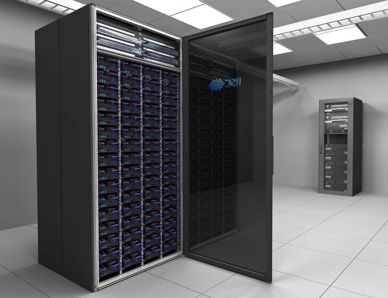 Российский суперкомпьютер RSC PetaStream. Каждый шкаф содержит 1024 узла с прямым жидкостным охлаждением (фото: rscgroup.ru).