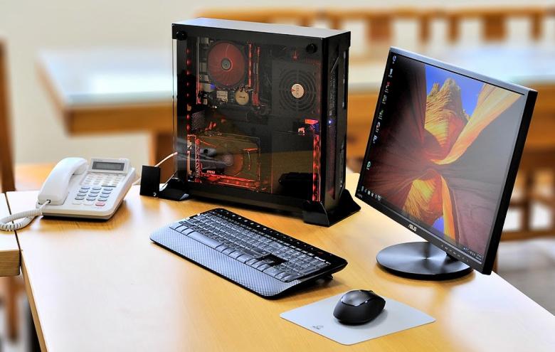 Lain Li PC-O5 - самый компактный корпус новой серии.