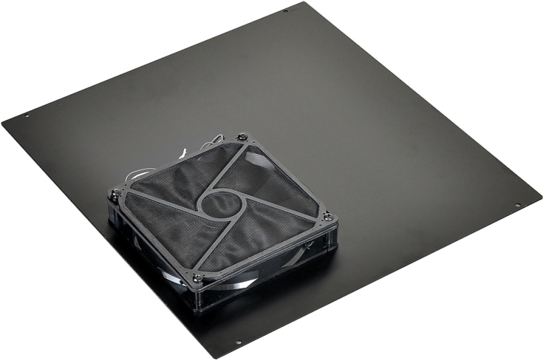 Lian Li PC-O5: в компактном корпусе можно установить вентилятор диаметром 140 мм.
