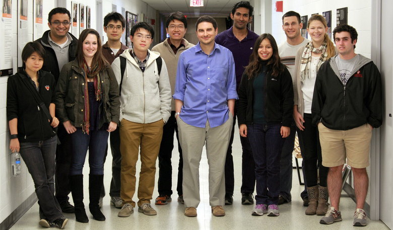 Группа исследователей Принстонского университета под руководством Майкла МакЭлпайна (фото: princeton.edu).