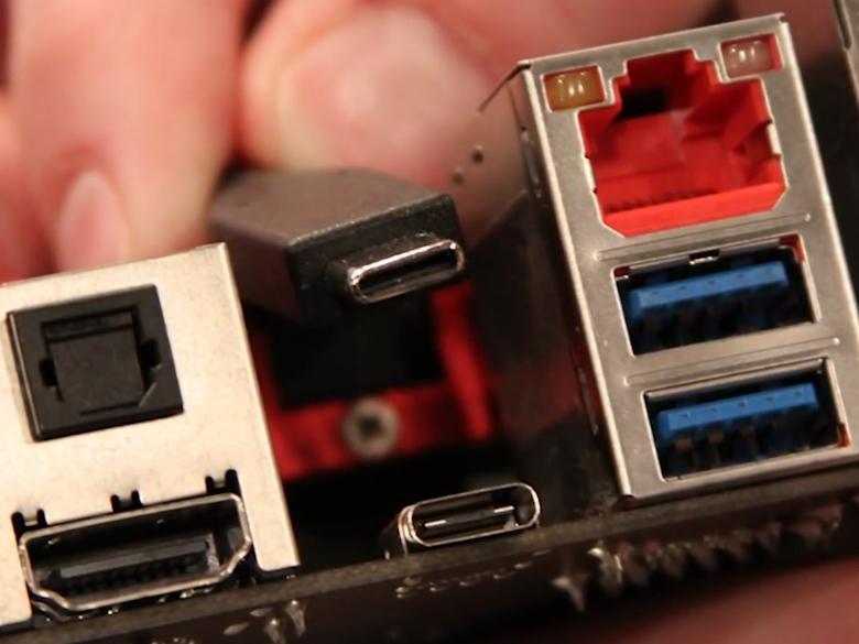 Порт и разъём USB 3.1 Type C (фото: arstechnica.com).
