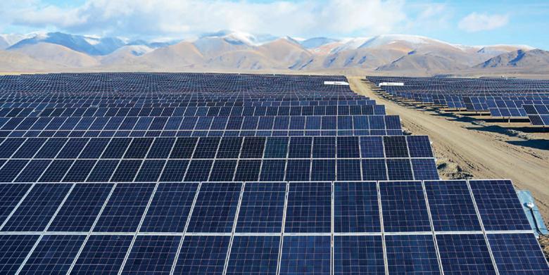 Крупнейшая в РФ солнечная электростанция открылась на Алтае