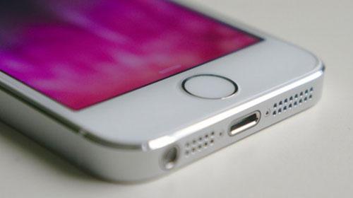iOS способна «подслушивать» разговоры и делать незаконные фотоснимки.