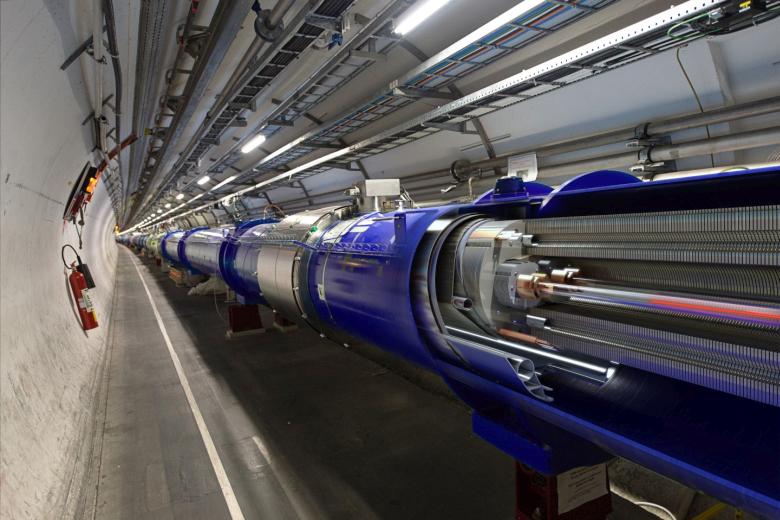 Обновлённый БАК (панорамное фото: Daniel Dominguez / CERN).