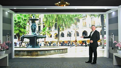 Huawei показала на MWC 2015 прототип системы аудио-видеосвязи высокой четкости MirrorSys.
