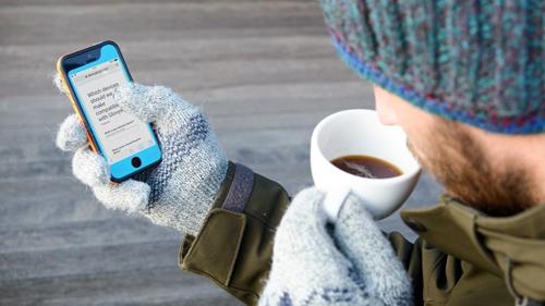 Накладка Glovys позволяет пользоваться смартфоном в перчатках.