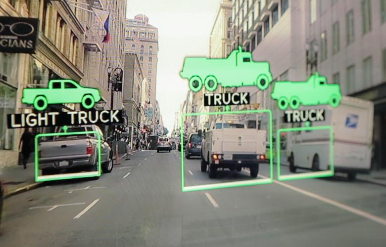 Nvidia Drive PX: иллюстрация обработки изображения с фронтальных камер (фото: pcworld.com).