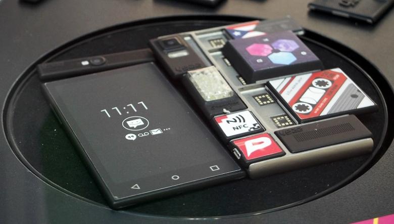 Размещение модулей YEZZ в смартфоне Google проекта Ara (фото: pcmag.com).
