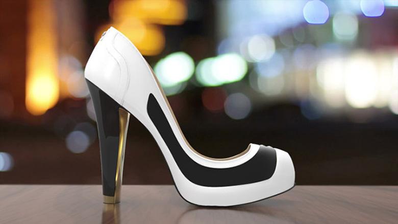 Туфли на электронных чернилах делают шаг в будущее