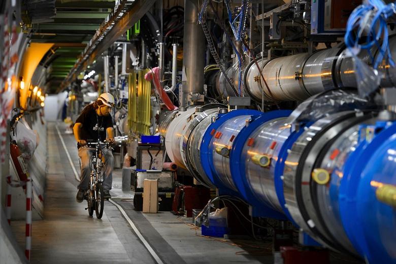 Если в БАК велосипедист собьёт роллера, в ЦЕРН даже не удивятся (фото: rte.ie).
