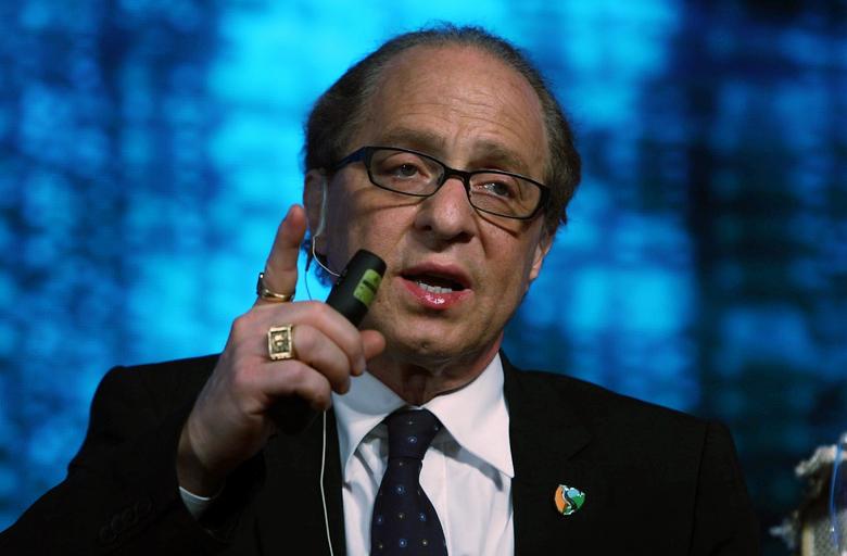 Рэймонд Курцвейл даёт прогноз развития технологий до конца XXI века (фото: huffpost.com).