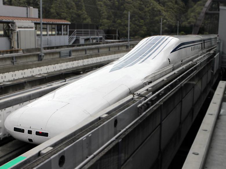 Самый быстрый поезд в мире - маглев JRC L0 (фото: phys.org).