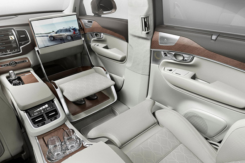 """Три сидения в автомобиле: новый класс """"люкс"""" от Volvo"""