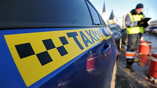 В России суд впервые запретил работу интернет-службы заказа такси.