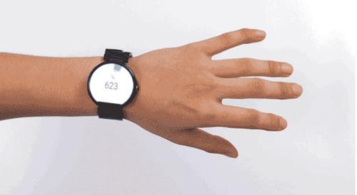 С помощью модуля Aria можно управлять «умными часами»  жестами.