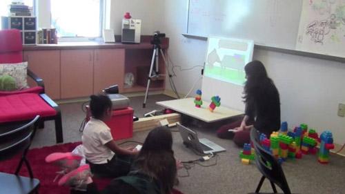 Образовательные игры более эффективны при использовании Kinect, чем при запуске с компьютера или планшета.