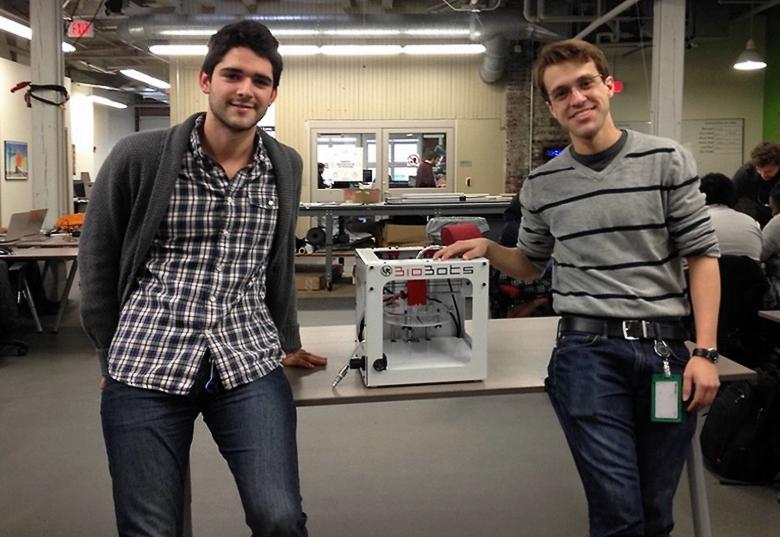 Дэнни Кабрера (слева) и Рикардо Солорзано (справа) (фото: bionews-tx.com).