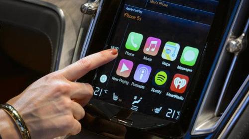 Автомобильная система Apple CarPlay теперь поддерживает беспроводной режим.