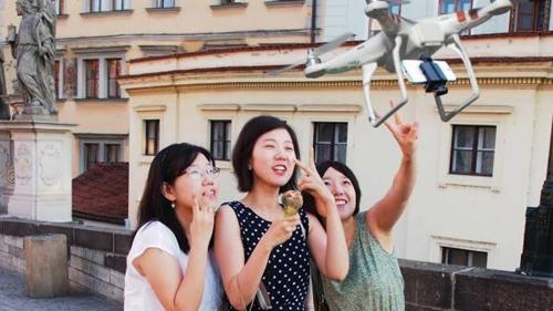 Samsung ведет разработку собственной модели дрона для селфи.