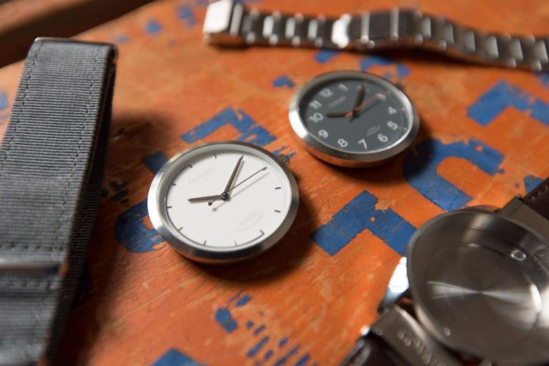 """""""Неумные"""" часы, быстро меняющие свой внешний вид"""