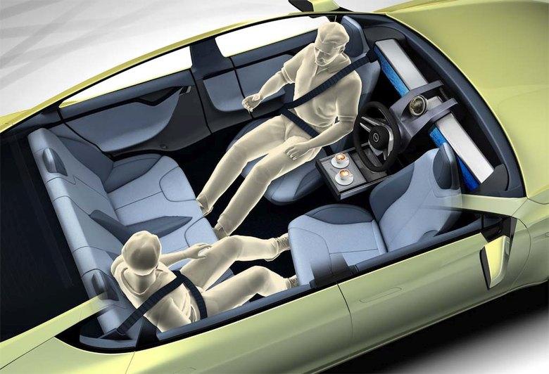 В машине с автопилотом руль останется как элемент стиля (изображение:  thedetroitbureau.com).