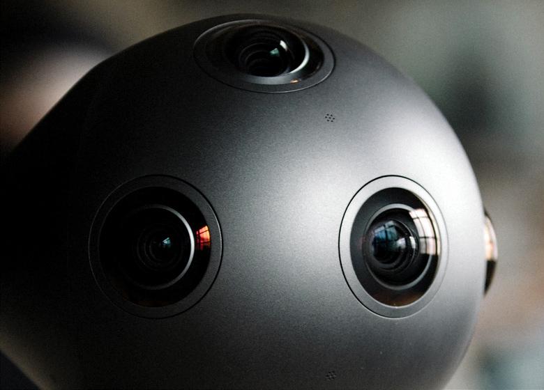 Nokia OZO - восемь объективов для панорамы 360°.