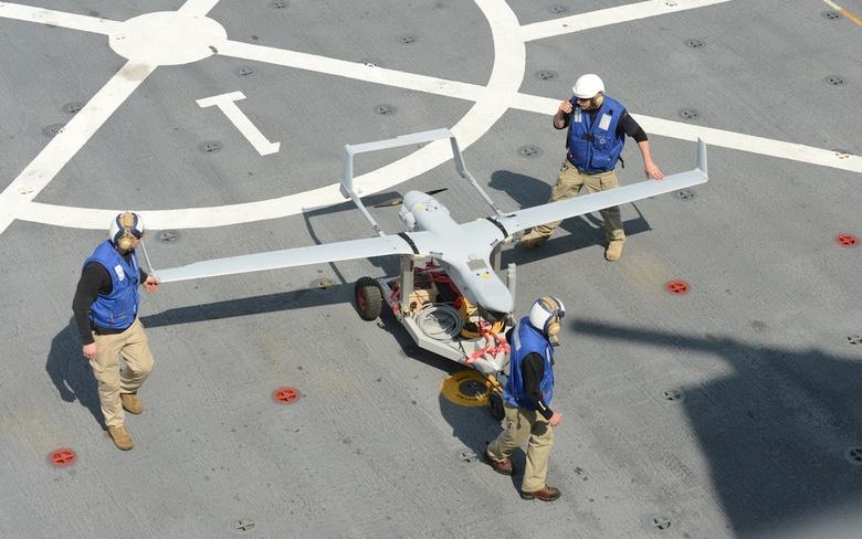 Транспортировка RQ-21 (фото: US Navy).